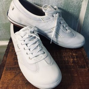 Keds white leather tennis shoes women's 9.5